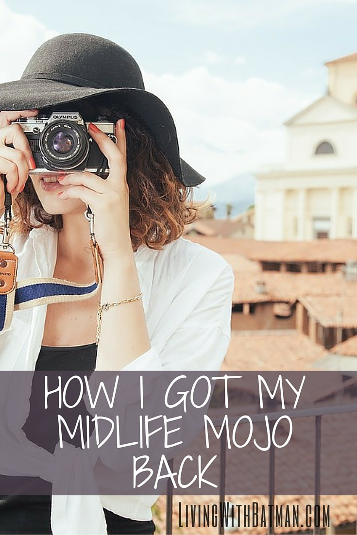 Being a midlife woman that's going through a tough transition can be a lonely place. You can get your midlife mojo back. Let me show you how.