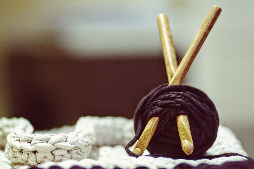 The best way I find to widdle the winter away is by knitting or crocheting. It is almost as cozy as sitting in front of a fire. It makes me feel all warm inside. Keeping my fingers and my mind moving has so many positive health benefits, it is no wonder that celebrities are taking it up.