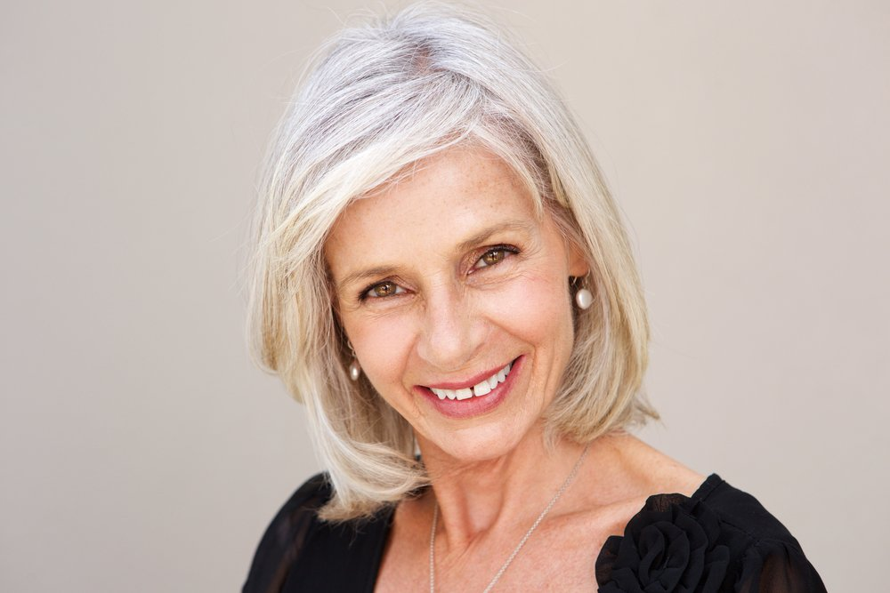 If you want super sleek silver hair, you have to treat it right. Follow these simple steps for more manageable, smooth grey hair. #greyhair #haircare